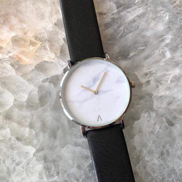 Minimalist Silver Marble Leather Luxury Watch 0960edaf262dd